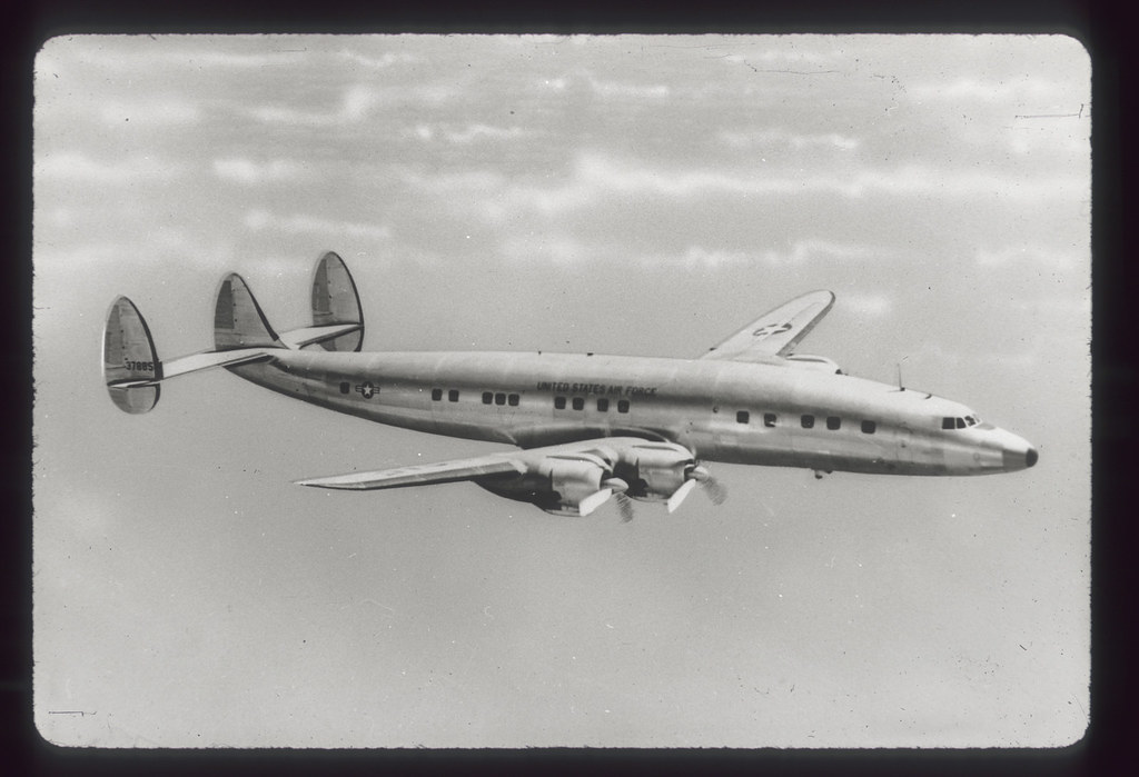 Lockheed%20C-121%20Constellation.jpg