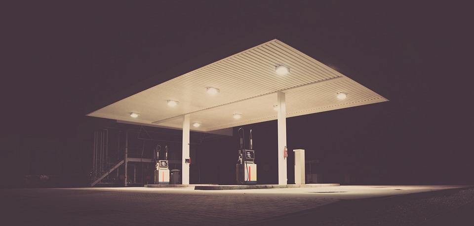 gas-station-692045_960_720.jpg