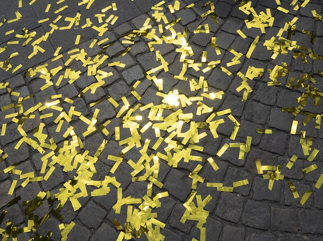 confetti-3468544_640.jpg
